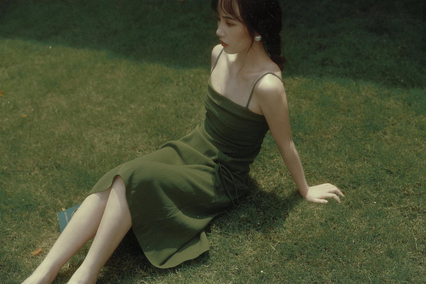 cách tạo dáng chụp ảnh khi mặc váy